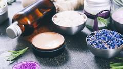 ✿ How to Make a Natural & Vegan Lip Balm ✿