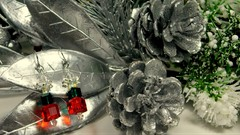 Wire Wrapping GutsyGuide: Swarovski Christmas Earrings