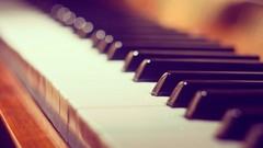 Free Piano Tutorial - Piano Lessons For Absolute Beginners