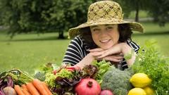 Create Gourmet Vegetarian Salads with Super Food Ingredients