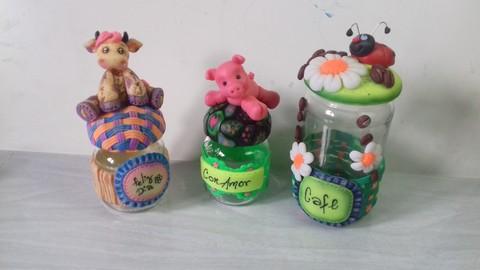 Netcurso - //netcurso.net/frascos-decorados-con-porcelana-fria