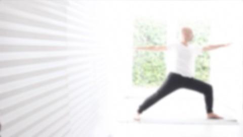 Netcurso-siente-el-yoga-practica-de-tres-semanas-para-re-conectar