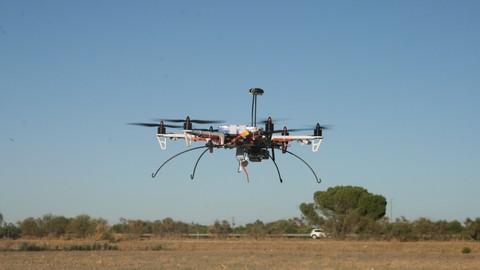 Netcurso-drones-vuela-montalos-configuralos