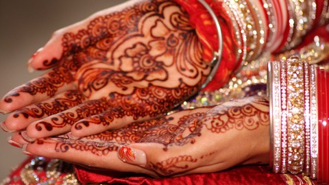 Learn The Art of Henna From The Comfort of Your  Home.