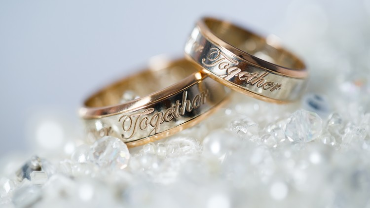 Make your own wedding bands using 3d Printing Technology.