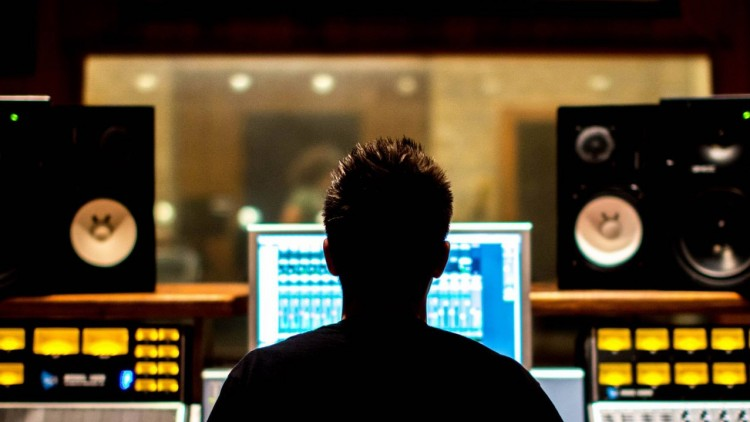 Mixing Music - Learn how to mix a Pop Rock Song like a Pro