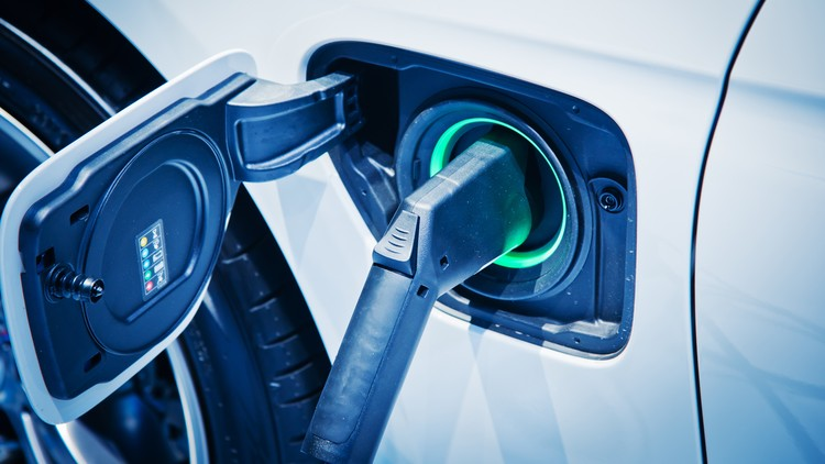 Electric and Hydrogen Cars with sustainable Energy